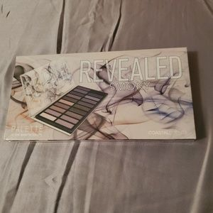 COASTAL SCENTS Revealed Smokey eyeshadow palette
